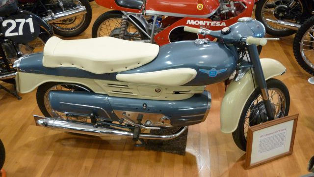 5 Not-So-Ordinary-Motorcycles: Aermacchi Chimera 175 1