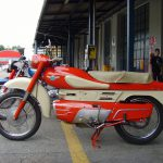 5 Not-So-Ordinary-Motorcycles: Aermacchi Chimera 175 7