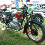 5 Not-So-Ordinary-Motorcycles: Ariel Square Four 2