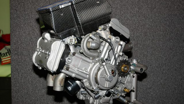 V4 Desmosedici RR engine.JPG