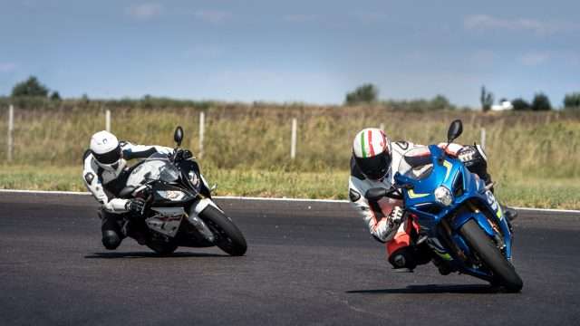 Suzuki GSX-R1000R vs BMW S1000RR video review 1