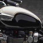 New Bonneville Speedmaster. Triumph strikes again 8