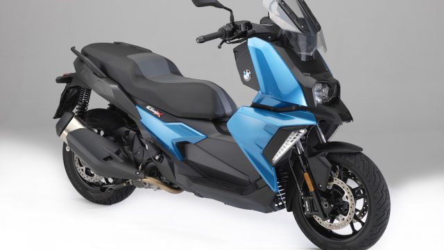 The New BMW C 400 X mid-size scooter 1