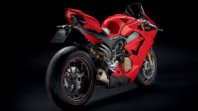 Panigale 1409 MY18 Red 01 Slider Gallery 906x510
