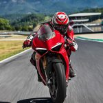 Ducati Panigale V4 unveiled. Brutal and brilliant 4
