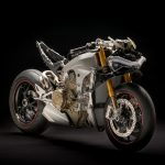 Ducati Panigale V4 unveiled. Brutal and brilliant 7