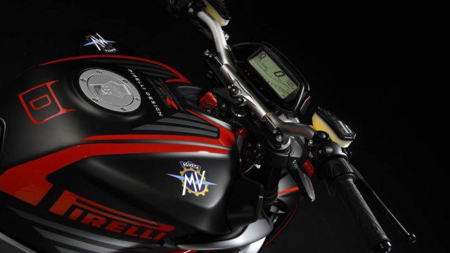 MV Agusta Brutale 800 RR Pirelli 10