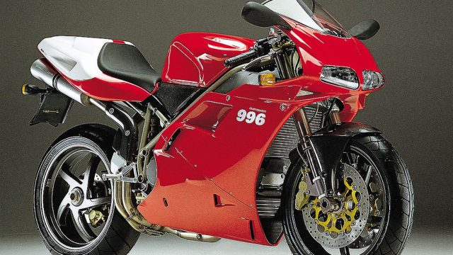 Ducati 996 - the Trellis-framed mechanized movie star 1