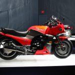Kawasaki GPz 900R 8