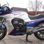 Kawasaki GPz 900R 6