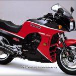 Kawasaki GPz 900R 10