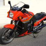 Kawasaki GPz 900R 11
