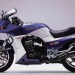 Kawasaki GPz 900R 12