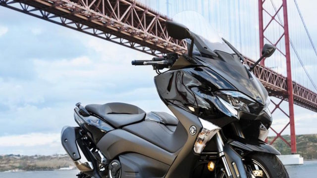 2017 Yamaha T-MAX test ride 1