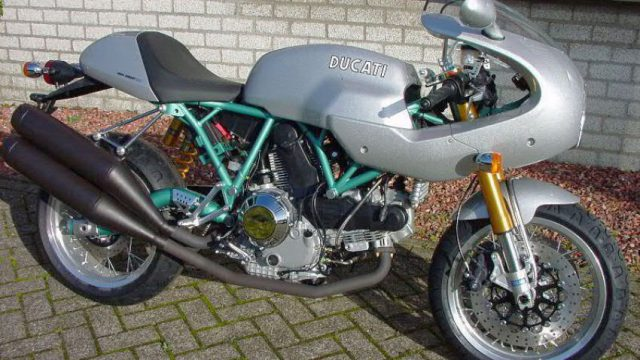Ducati Sport 1000 Italian Flavored Neo Sports Cafe Racer Drivemag Riders