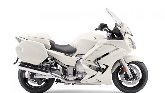 Yamaha FJR1300P Police motorcycle. Can you outrun it? 1