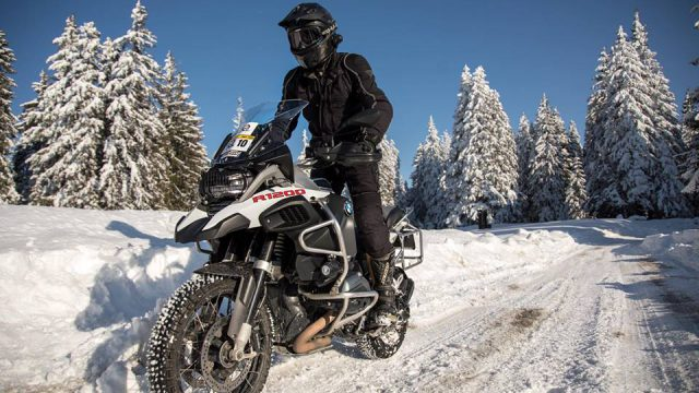 R1200GS on Ice and Snow. Not your ordinary Sunday ride 5