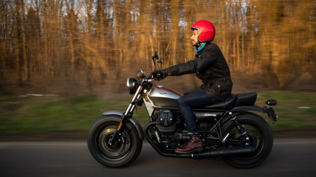 Moto Guzzi V9 Bobber Review | Just for show or can it actually go? 7