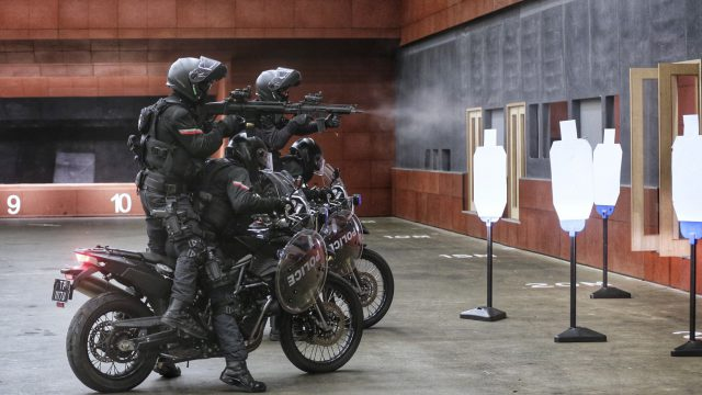 Badass Special Troops on Motorcycles get involved in Embarrassing Accidents 1