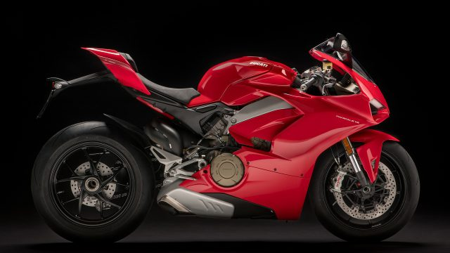 Double recall for Ducati Panigale V4 7