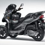 Quadro QV3 leaning scooter looks like a better alternative to Yamaha' Niken 8