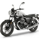 Moto Guzzi V7 III Limited looks smokin' hot in chrome, aluminium and carbon 6