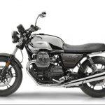 Moto Guzzi V7 III Limited looks smokin' hot in chrome, aluminium and carbon 5