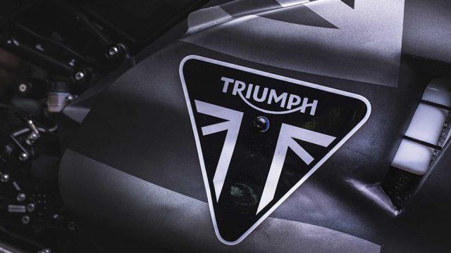 triumph moto 2 011