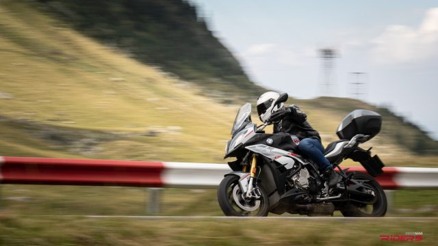 2018 BMW S1000XR Review - Best Sport-Touring Motorcycle? 36