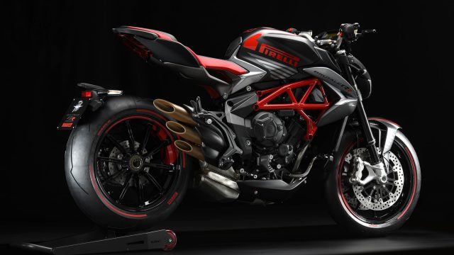 MV Agusta Brutale and Dragster 800 RR Pirelli limited edition say Hi 3