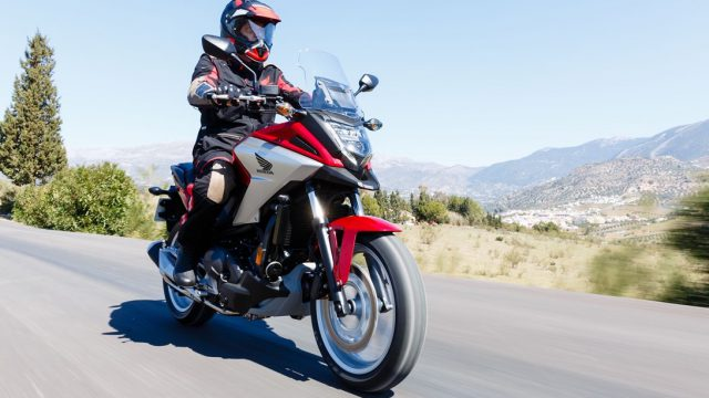 2018 Honda NC750X Review | Best Commuter? 3