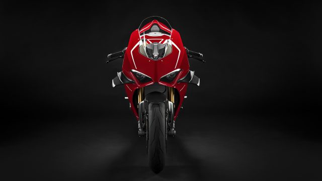 Panigale V4R Red MY19 03 Gallery 1920x1080