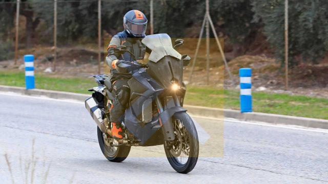 New KTM 1290 Super Adventure. Big Changes 1