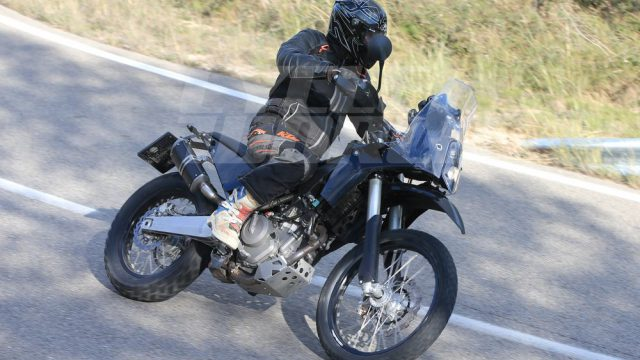 cw1216 ktm 390 adventure spy photo 004