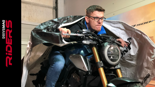 2019 Honda CB650R Unboxing and Engine Start 5