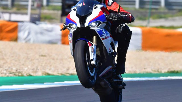 2019 BMW S1000RR Review. The Secrets Revealed 4