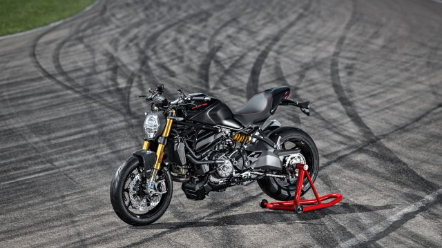 30_DUCATI_MONSTER_1200_S_MY20_UC90961_High