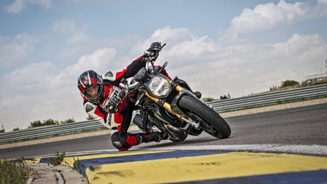 35_DUCATI_MONSTER_1200_S_MY20_UC90986_High