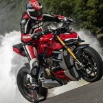 2020 Ducati Streetfighter V4 - 220 HP. It's Massive! 4