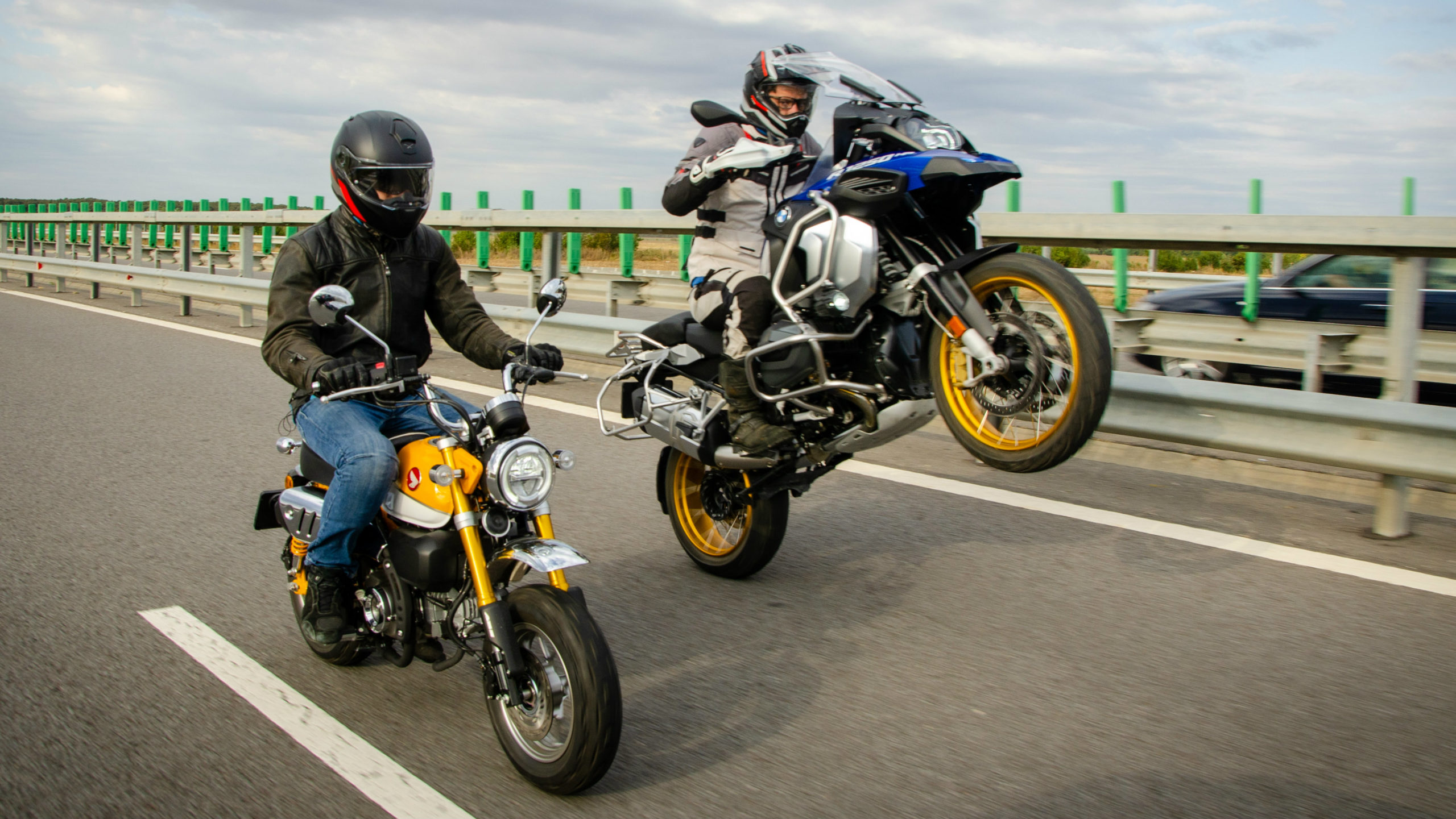 Honda Monkey Vs Bmw R1250gs Adventure Review Drivemag Riders