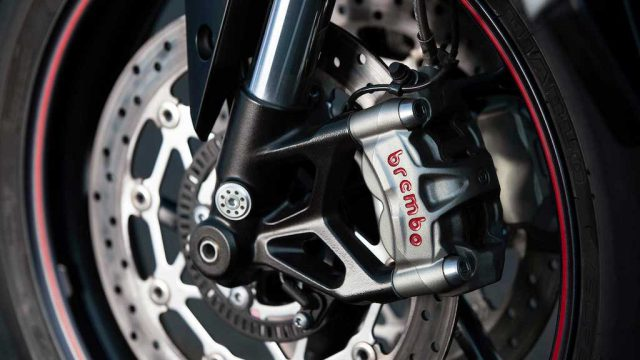 Street Triple RS 20MY Variant Page Gallery10 1920x1080px (1)