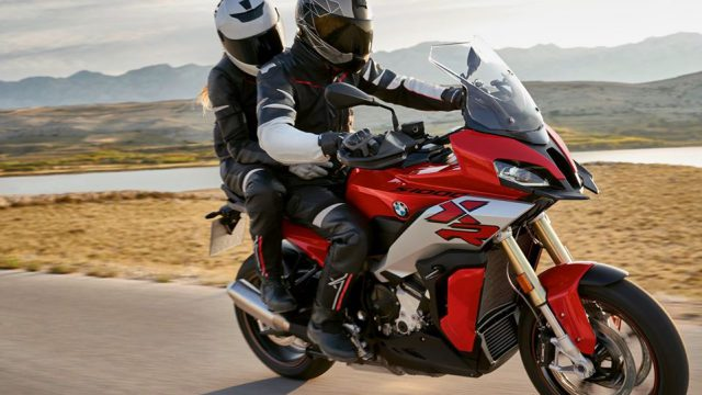2020 BMW S1000XR is here. Lighter, sharper but no ShiftCam 7