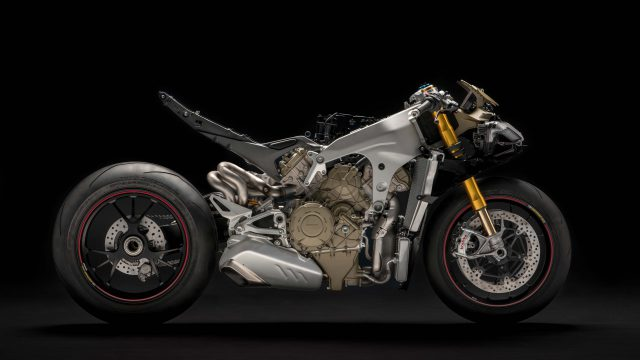 2018 Ducati Panigale V4 naked no fairings 01