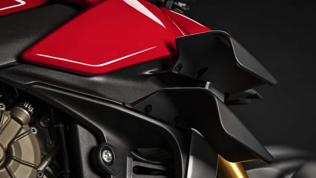 2020 Ducati Streetfighter V4 18