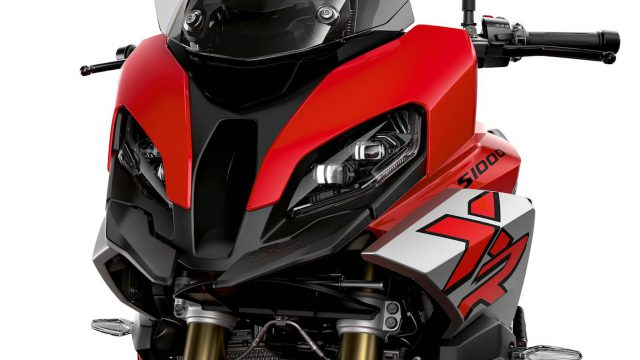 2020 bmw s 1000 xr first look 11
