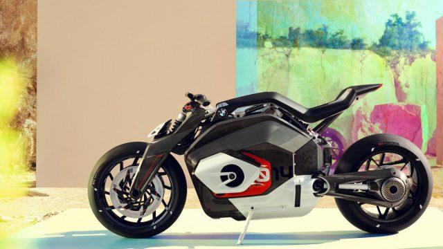 Hinter der Vision DC Roadster steckt die elektrische Erweckung des Boxermotors wie es in der Presseinformation aus Muenchen heisst