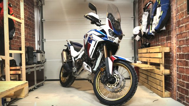 2020 Honda Africa Twin. Walkaround & Engine Start 1