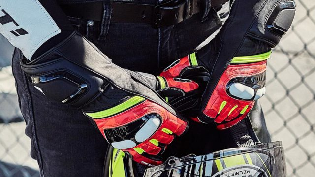 sport gloves 2 CT Angle Double Parallax 2 960x1094
