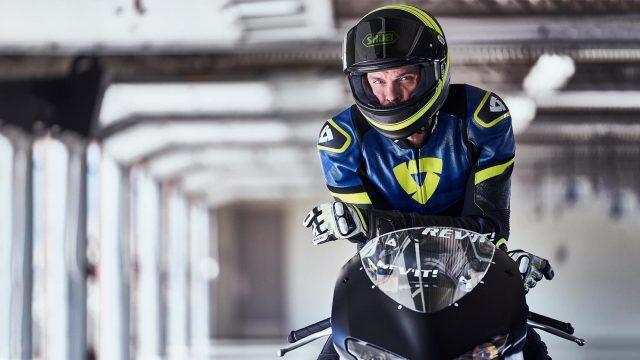 sport gloves CT Hero 1680x903