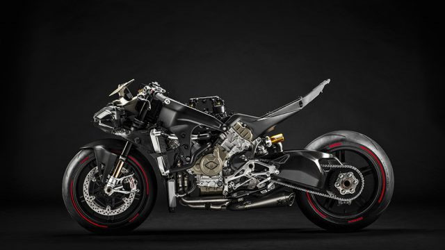 14_Ducati Superleggera V4_UC145967_Low